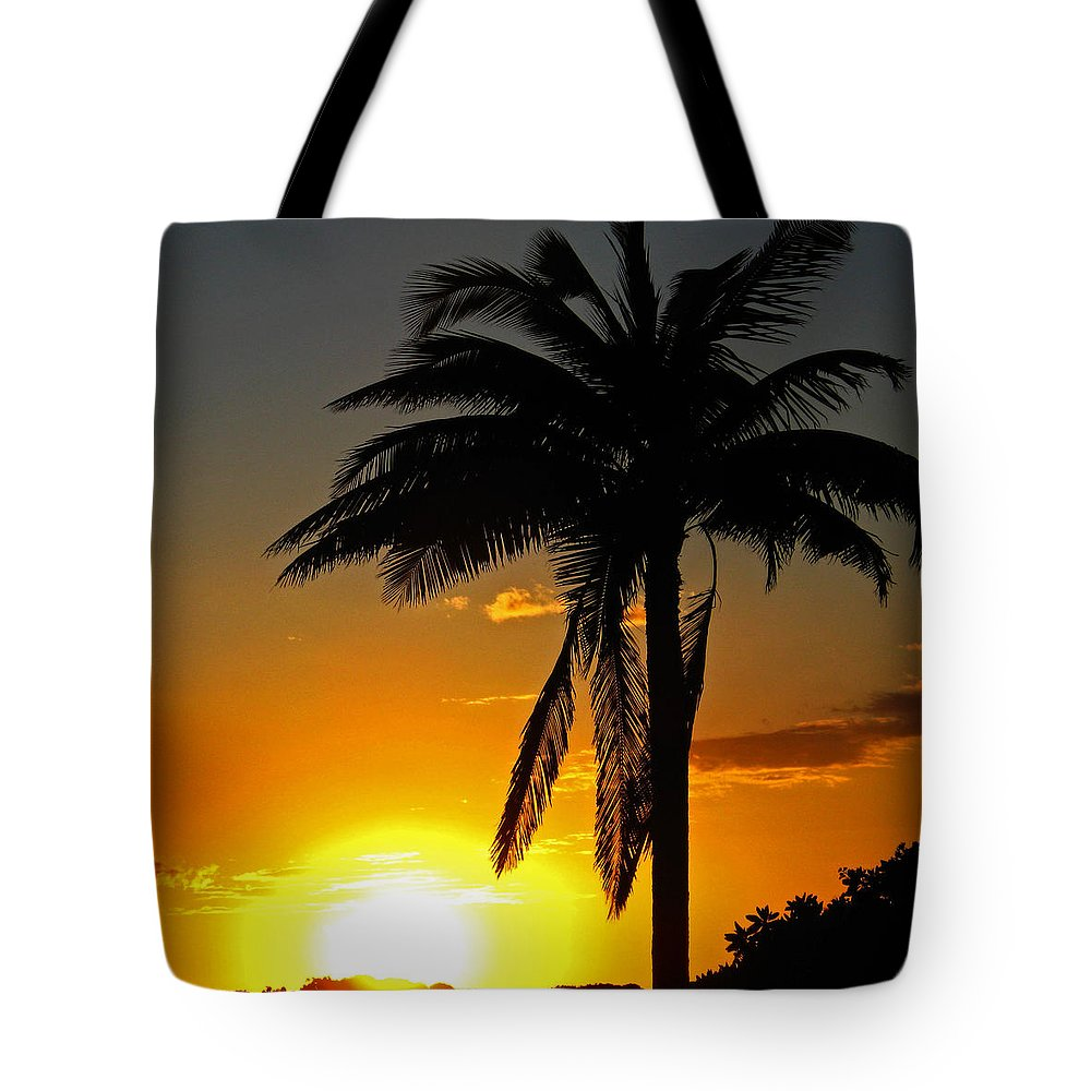 Sunset Tote Bag featuring the photograph Sundown by Kerri Ligatich