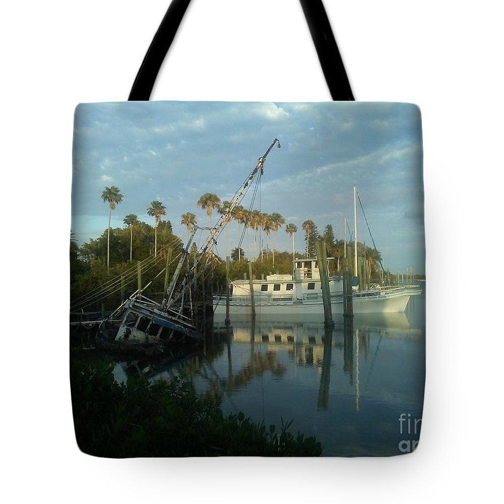 Florida Tote Bag featuring the photograph Sunken Treasure by Tina Barnes-Weida