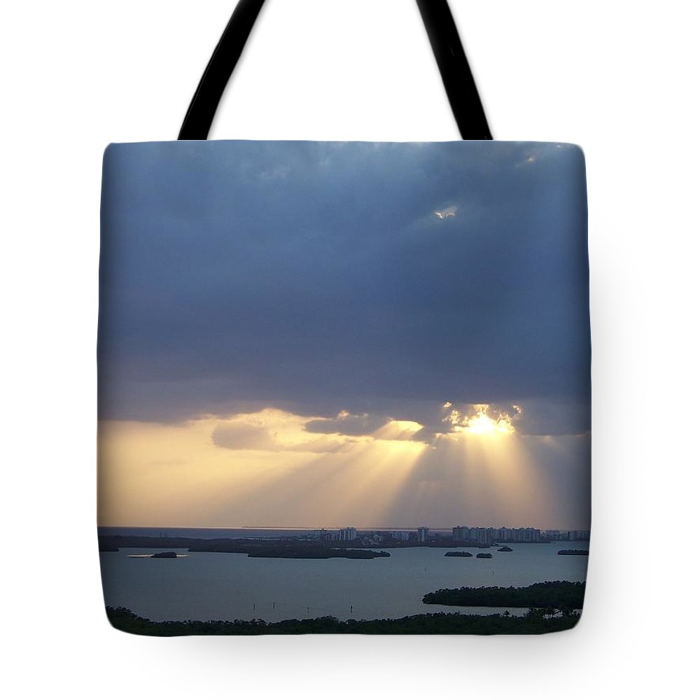 Sunset Tote Bag featuring the photograph Sunset 0048 by Laurie Paci