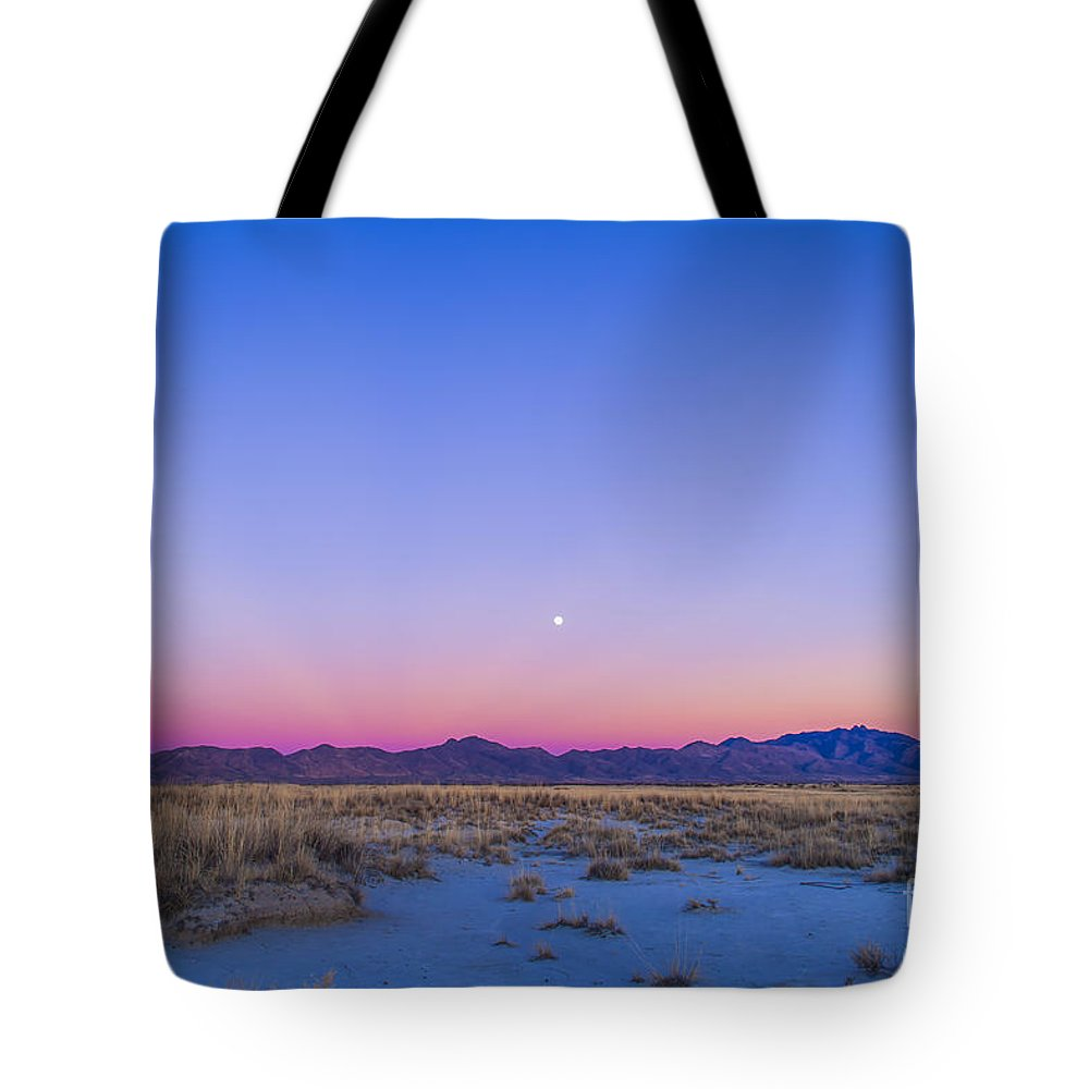 Arizona Tote Bag featuring the photograph Sunset And Gibbous Moon by Alan Dyer