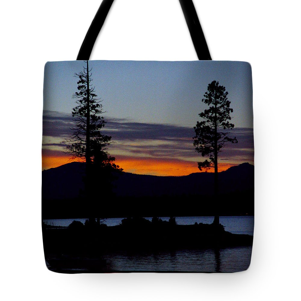 Lake Almanor Tote Bag featuring the photograph Sunset At Lake Almanor by Peter Piatt