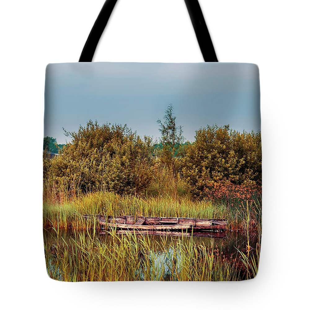 Water Tote Bag featuring the photograph Sunset At River In Old Dutch Village by Ariadna De Raadt