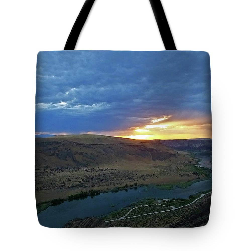 Snake River Canyon Tote Bag featuring the photograph Sunset At Snake River Canyon 1 by Judy Wanamaker