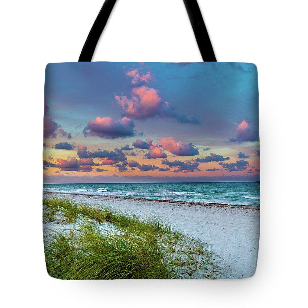 Sunset Tote Bag featuring the photograph Sunset Beach by Frank Molina