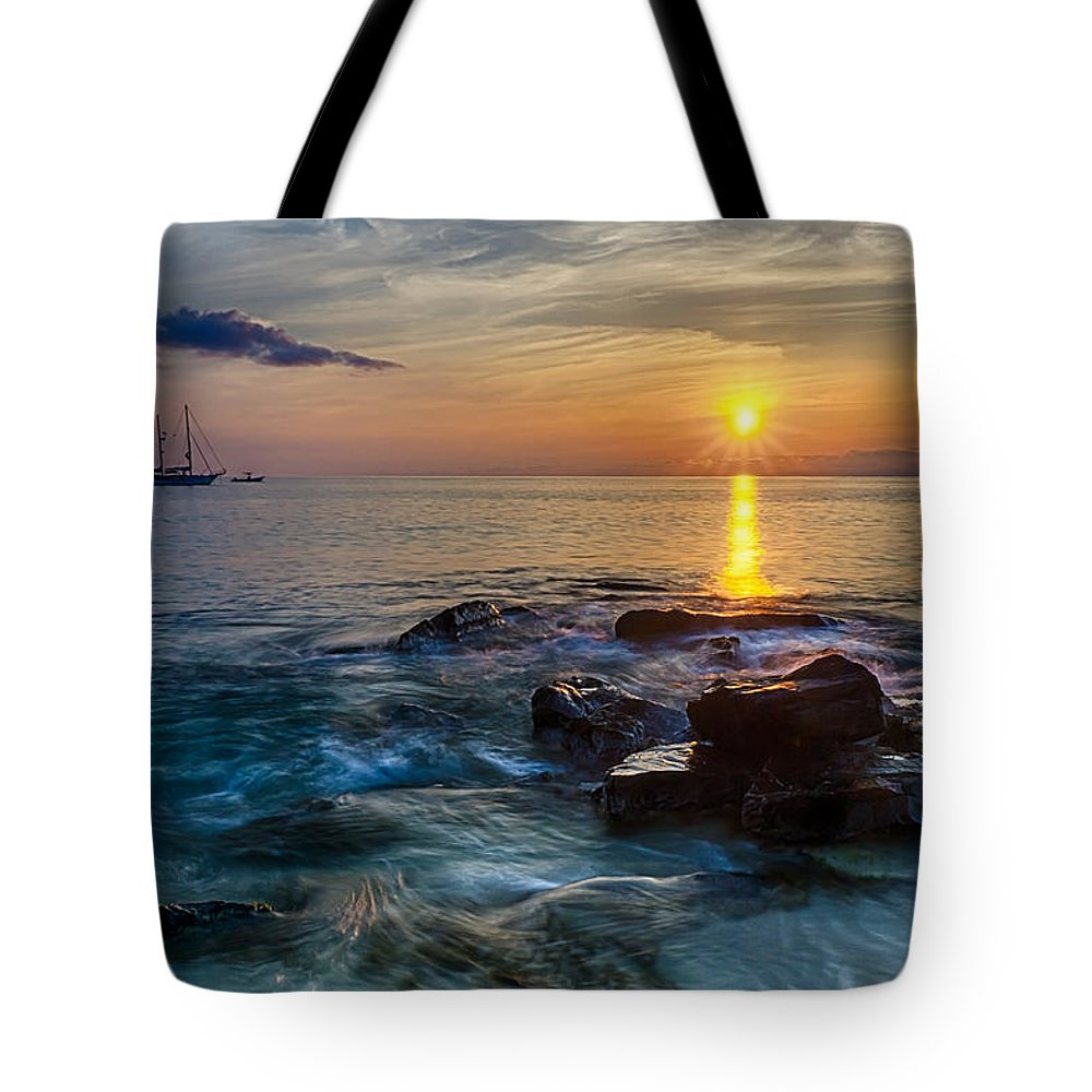 Ocean Tote Bag featuring the photograph Sunset Cruise by Amanda Jones