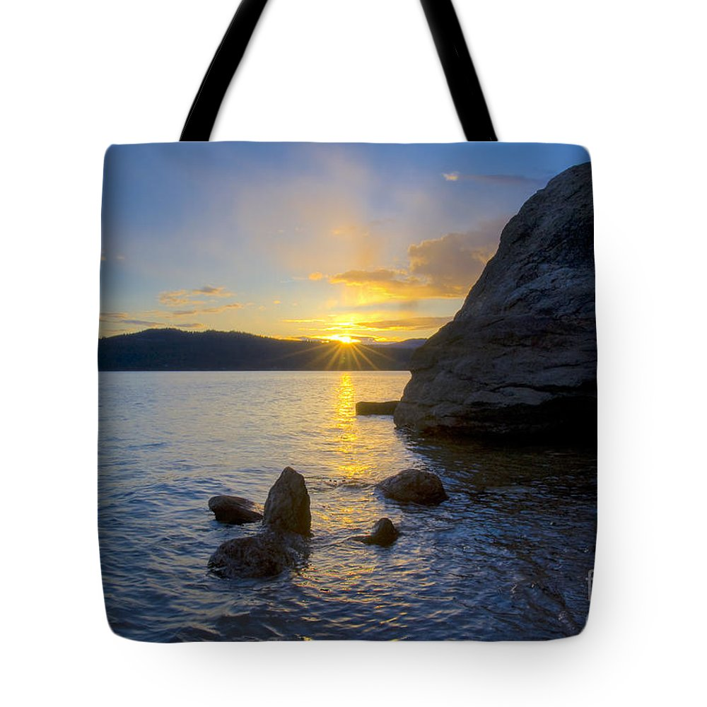 Caoeur D'alene Tote Bag featuring the photograph Sunset From Tubbs Hill by Idaho Scenic Images Linda Lantzy