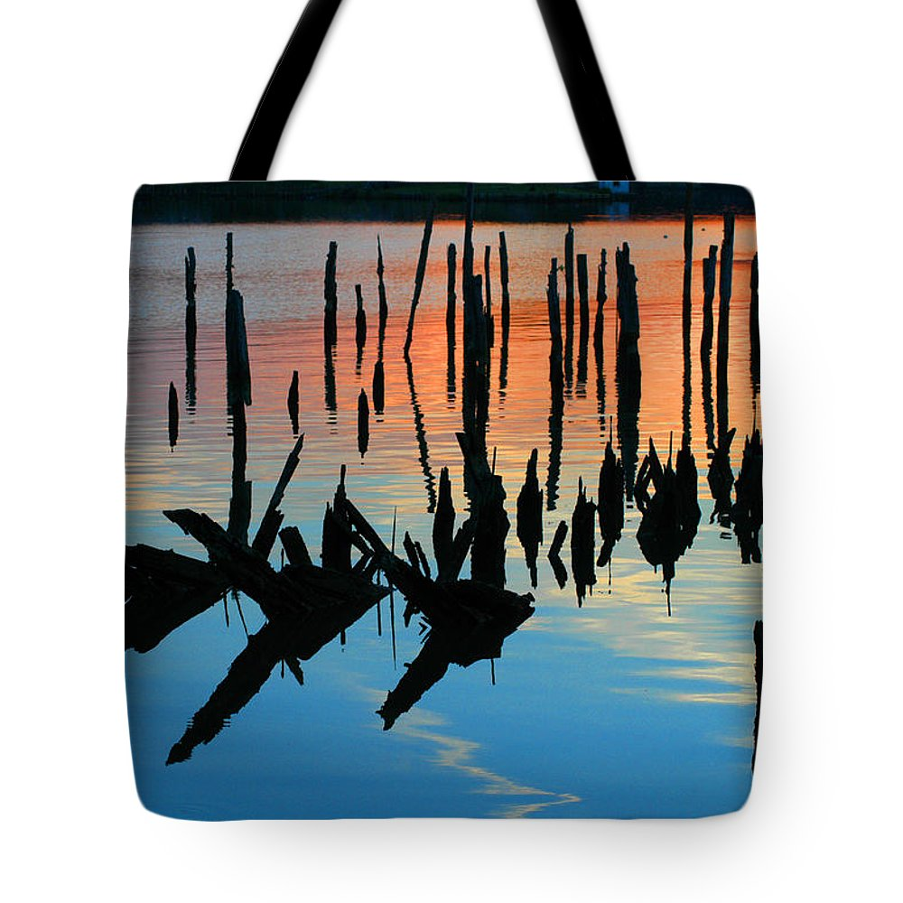 Clay Tote Bag featuring the photograph Sunset In Colonial Beach Virginia by Clayton Bruster