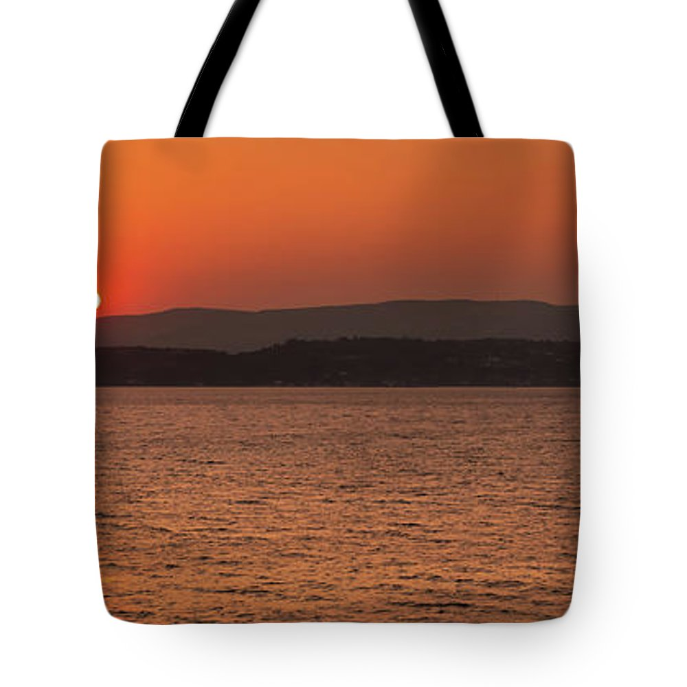 Argostoli Tote Bag featuring the photograph Sunset In Lassi by Naylors Photography