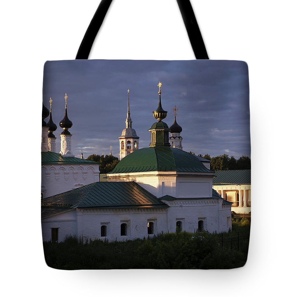 Suzdal Tote Bag featuring the photograph Sunset In Suzdal by Alexander Lobanov