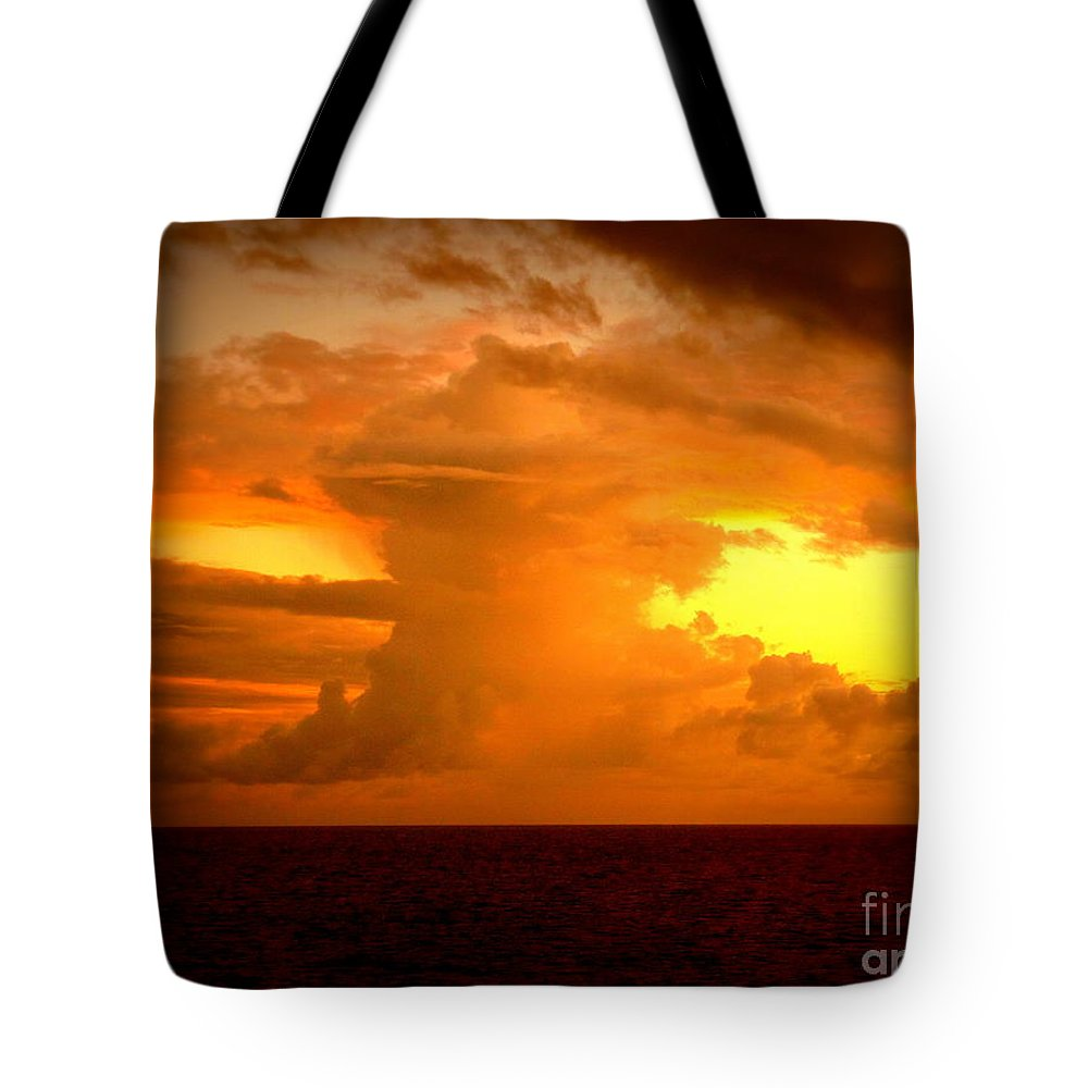 Sunset Tote Bag featuring the photograph Sunset Indian Ocean by John Potts