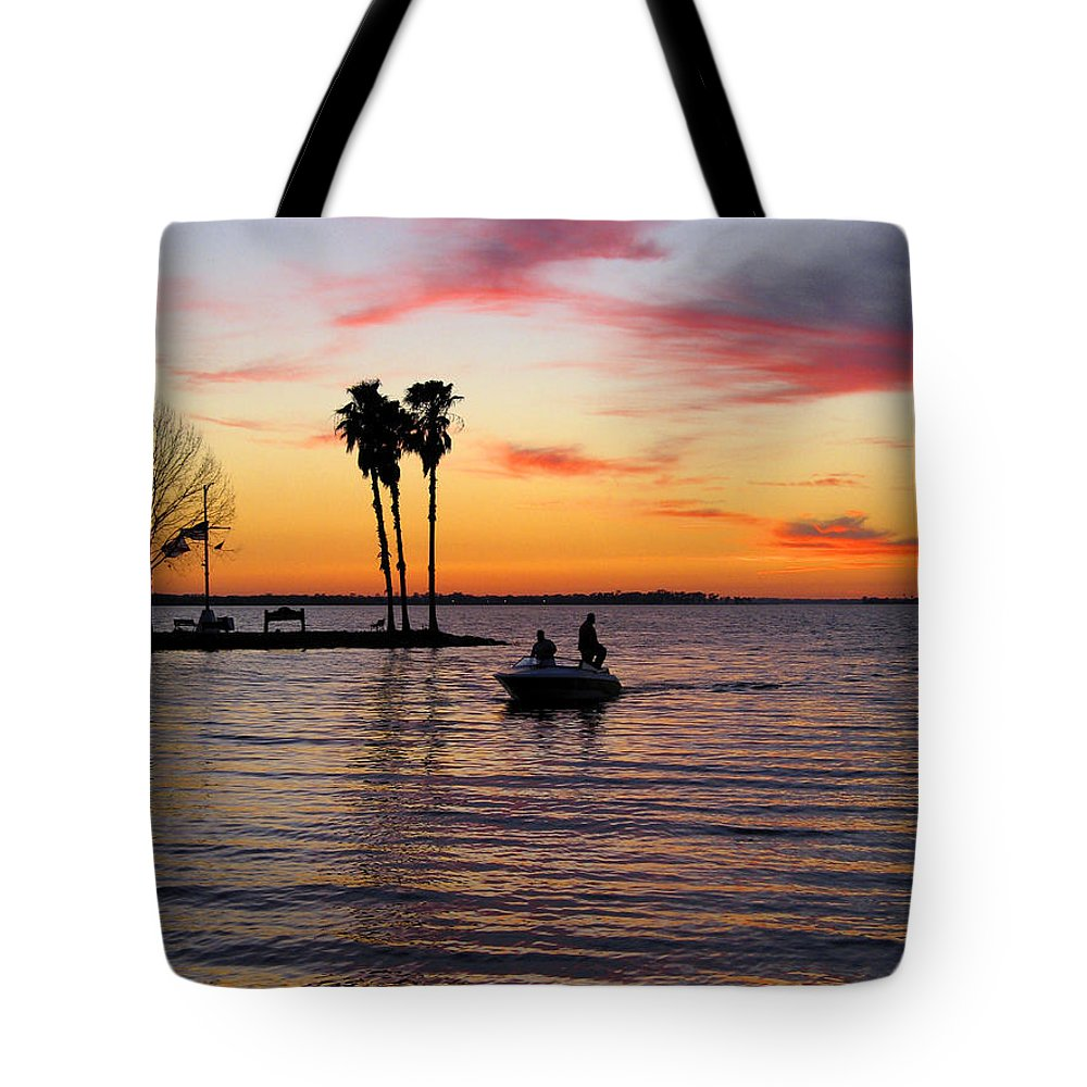 Lake Tote Bag featuring the photograph Sunset On Lake Dora At Mount Dora Florida by William Kuta