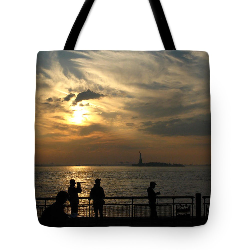 Sunset Tote Bag featuring the photograph Sunset On The Upper Bay by Robert McCulloch