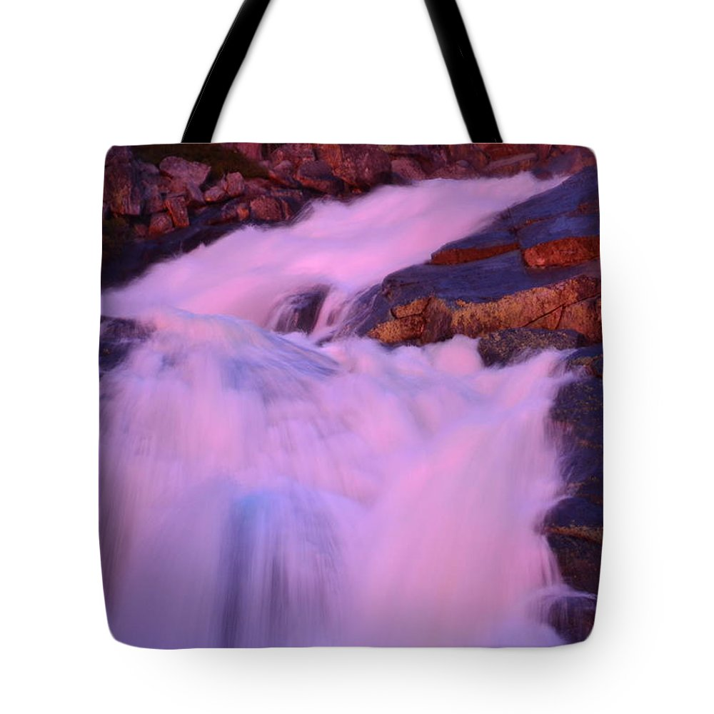 Yosemite Tote Bag featuring the photograph Sunset On The Water by Laura Leigh McCall