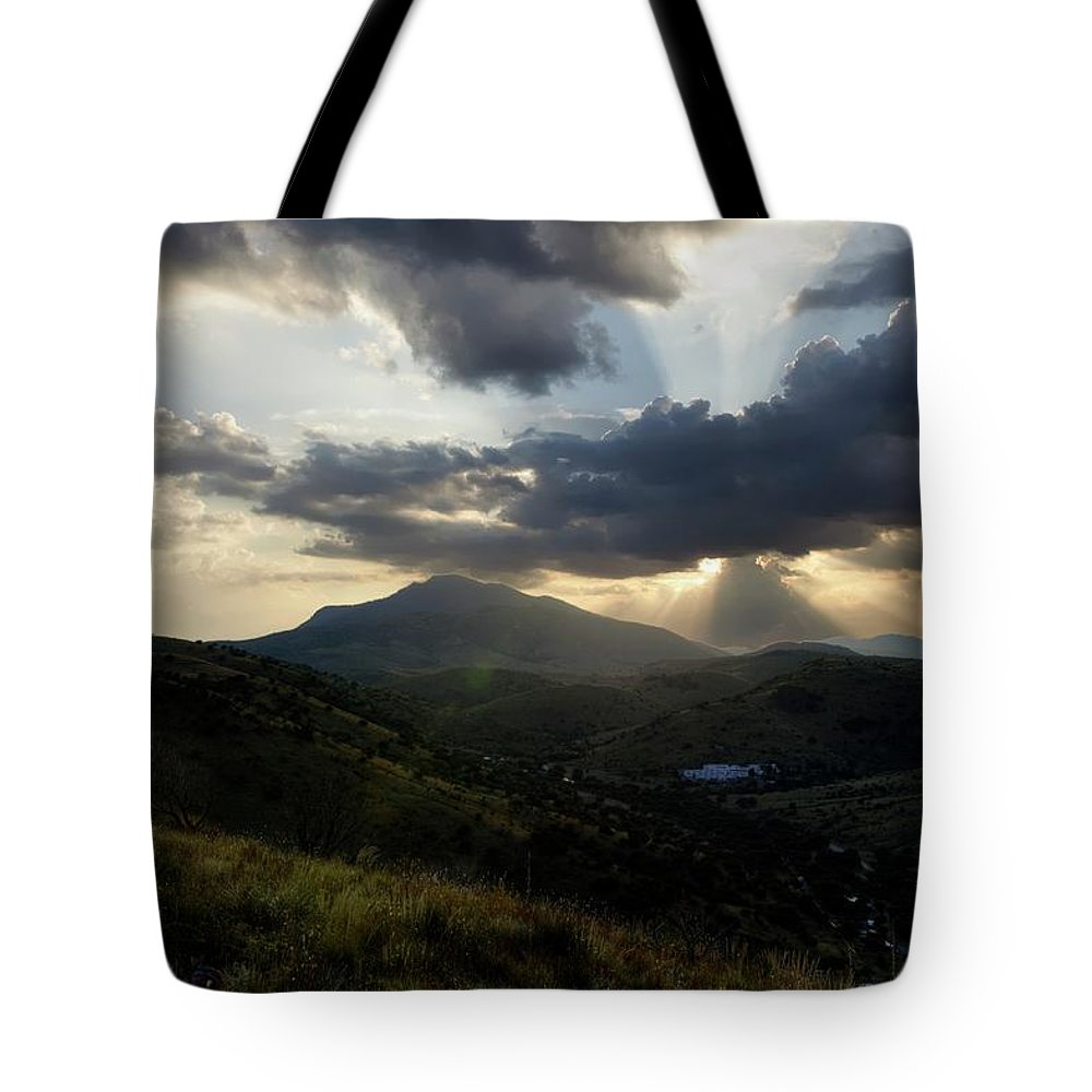 Indian Springs Tote Bag featuring the photograph Sunset over Indian Springs by Roy Nierdieck