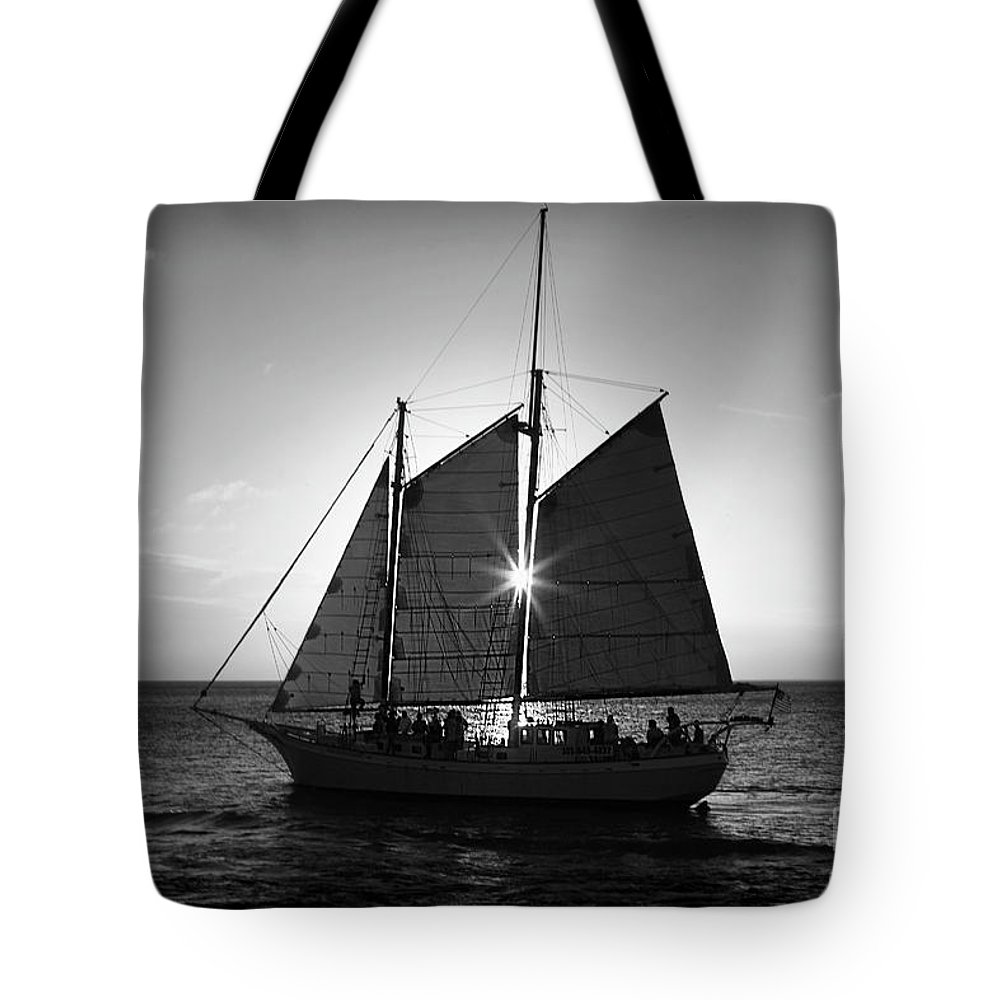 Florida Tote Bag featuring the photograph Sunset Sail by Perry Hodies III