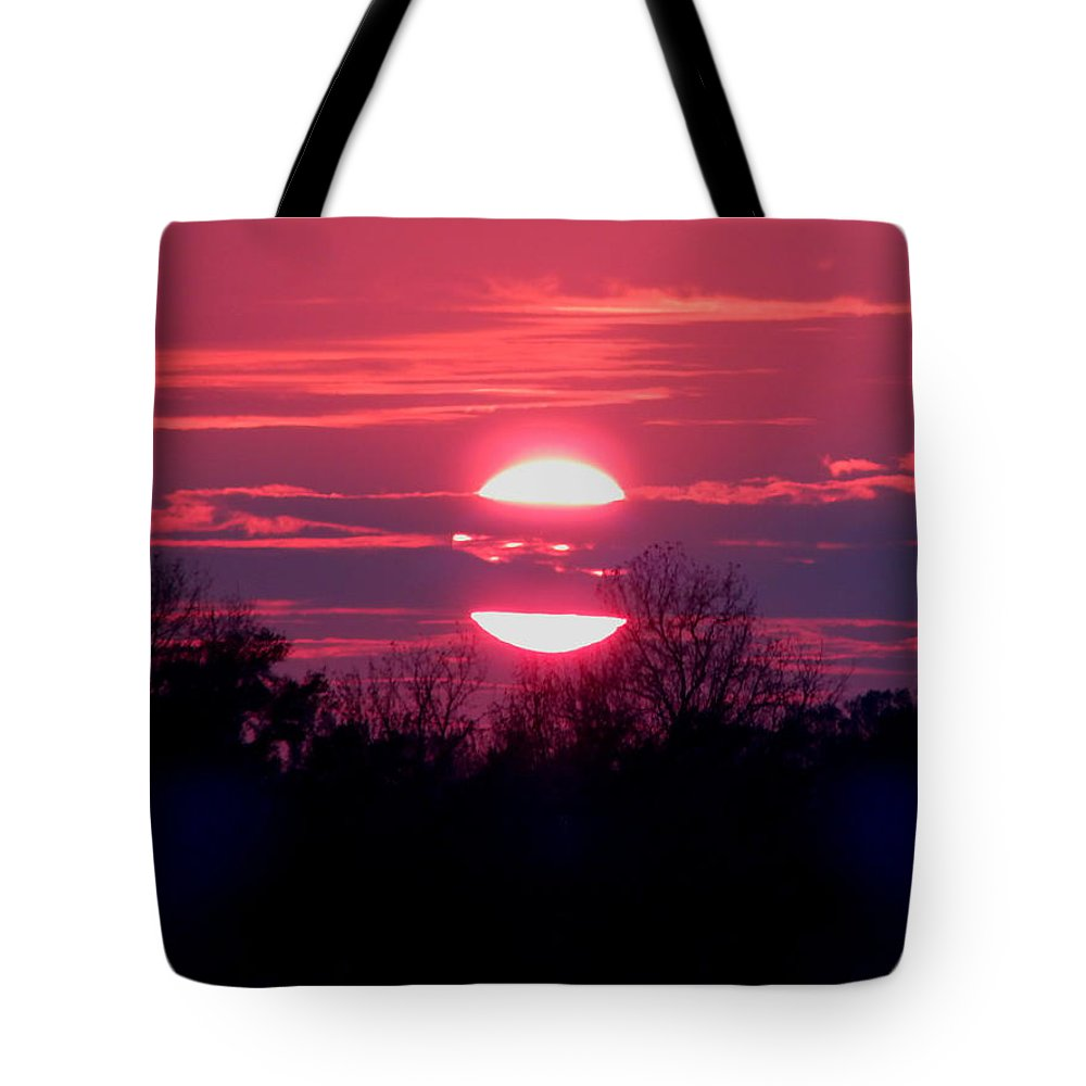 Sunset Tote Bag featuring the photograph Sunset Split by Gina Welch