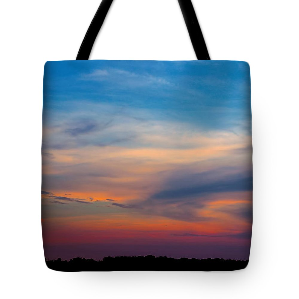 Sunset Tote Bag featuring the photograph Sunset Windsor Illinois by Theresa Campbell