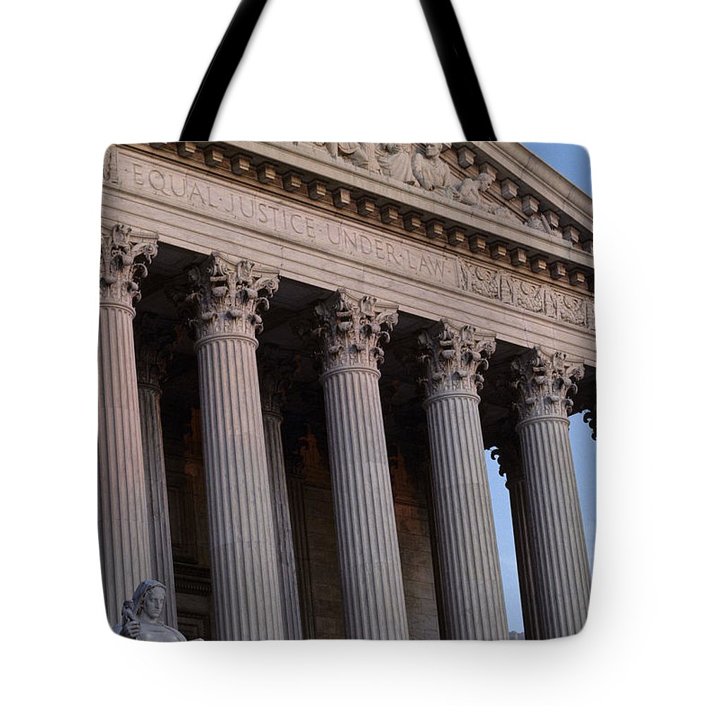 Supreme Court Tote Bag featuring the photograph Supreme Court Building by Kenneth Garrett