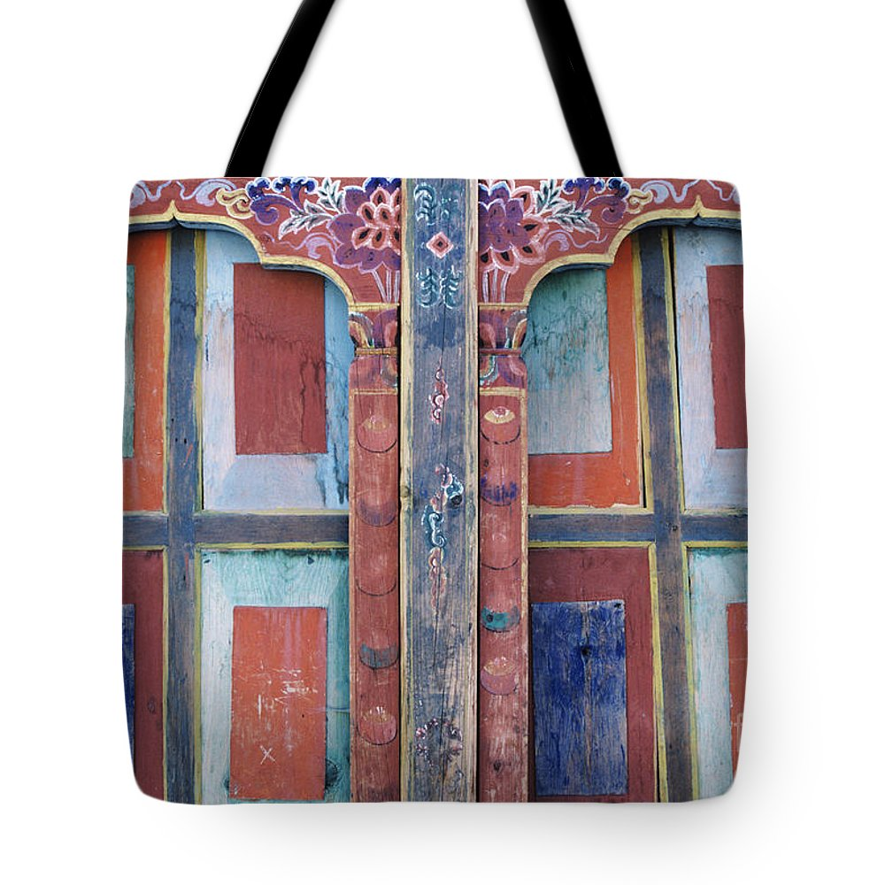 Architectural Tote Bag featuring the photograph Ta Dzong Museum by Larry Dale Gordon - Printscapes