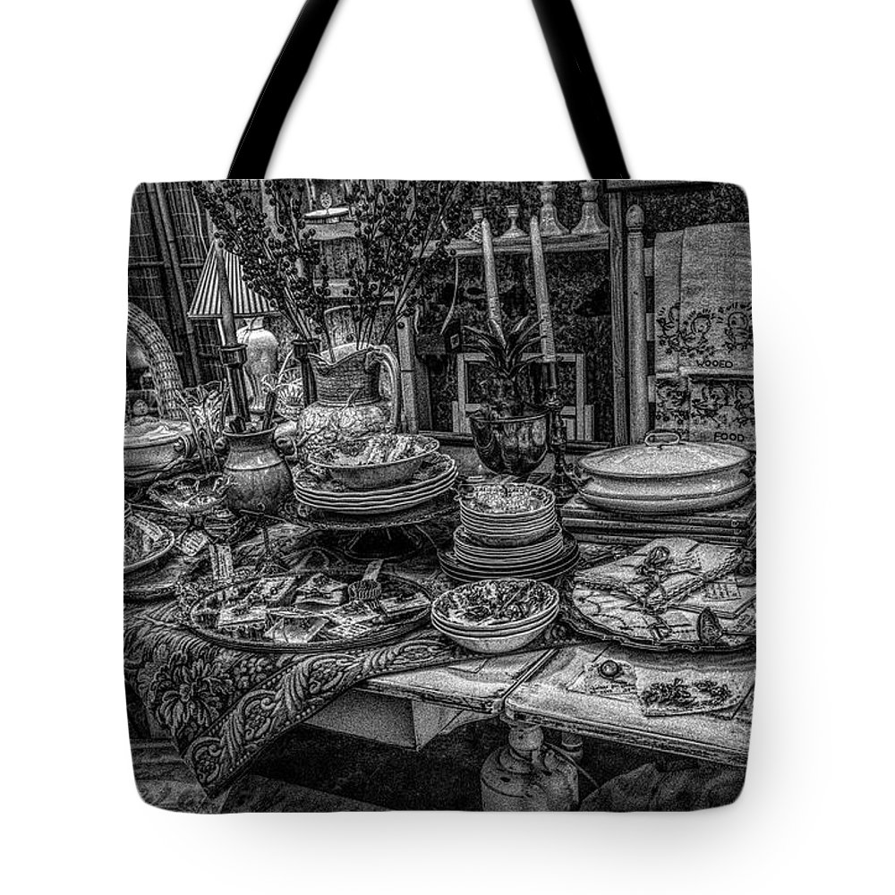 Table Tote Bag featuring the photograph Table Setting by Paulette Thomas