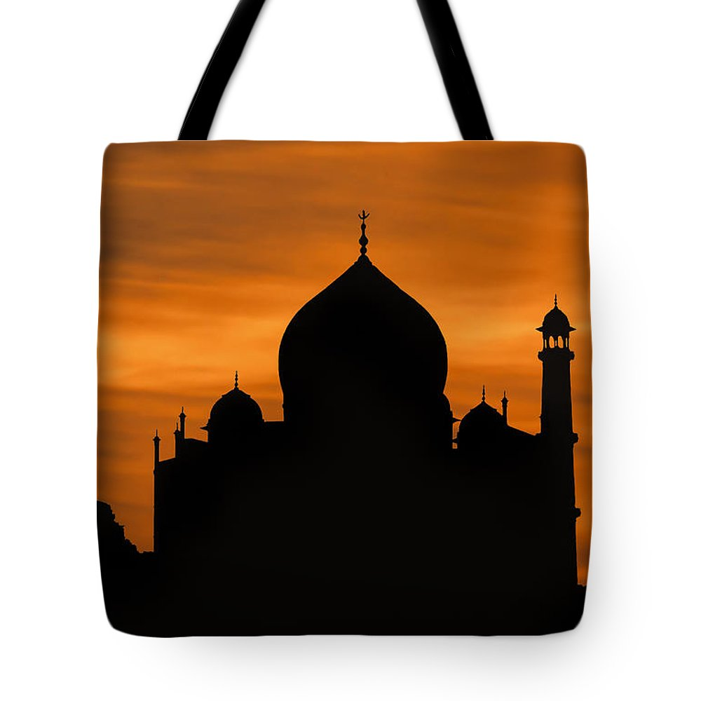 Taj Mahal Sunset Silhouette Tote Bag