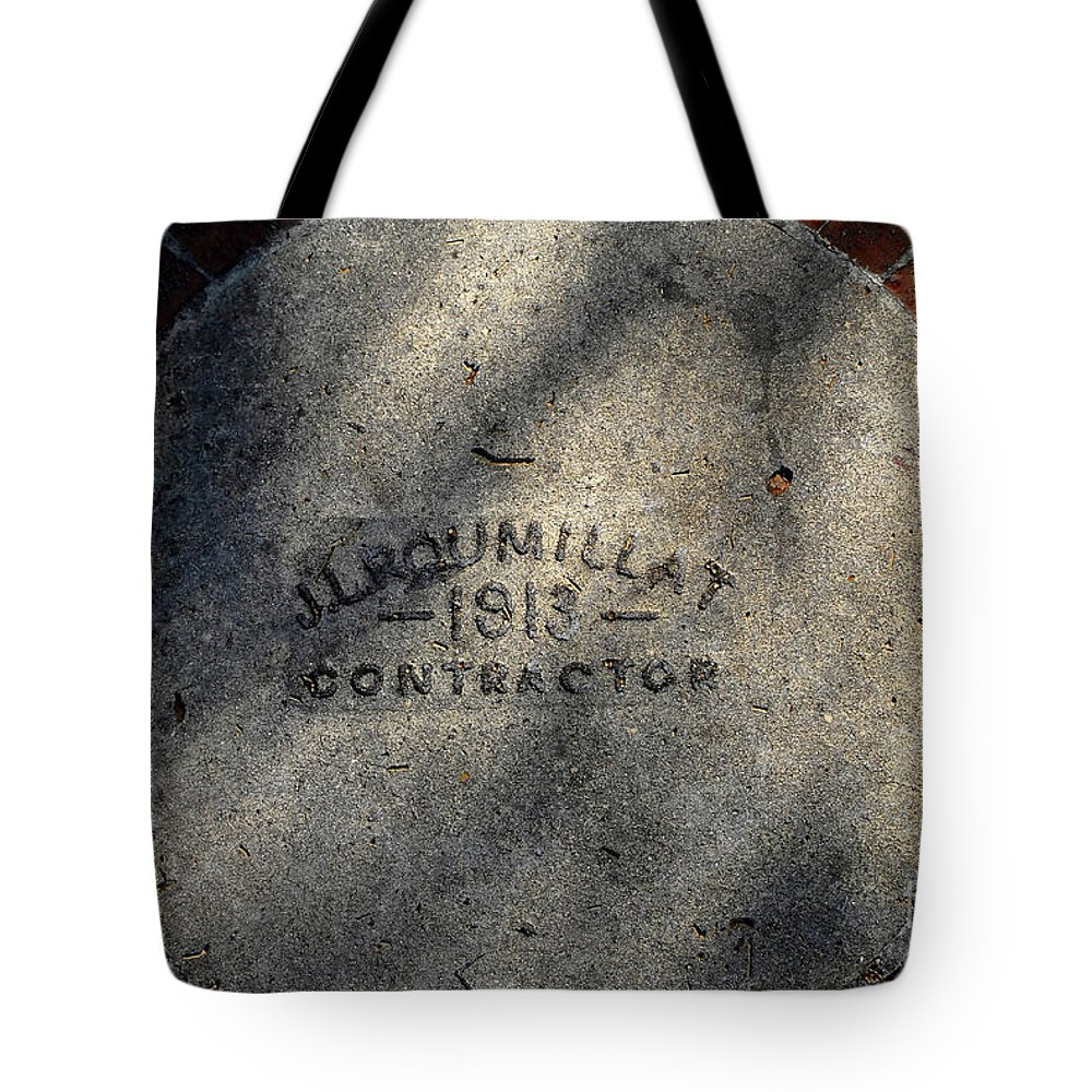 Contractor Tote Bag featuring the photograph Tampa Bay Hotel 1913 by David Lee Thompson