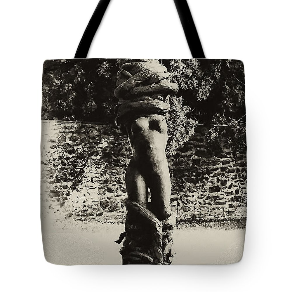 Philadelphia Tote Bag featuring the photograph Tangled Up In You by Bill Cannon