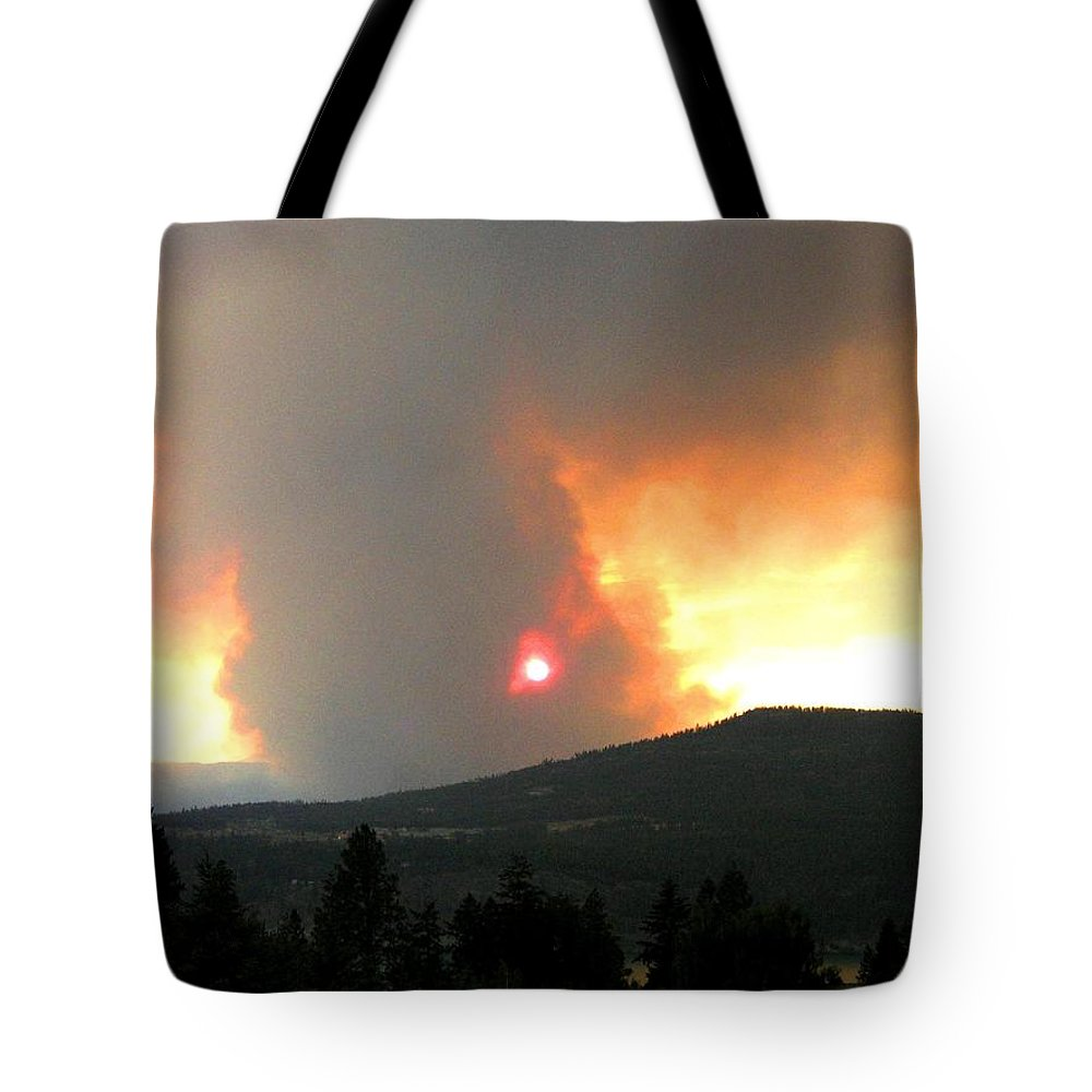 Forest Fire Tote Bag featuring the photograph Terrace Mountain Fire 3 by Will Borden