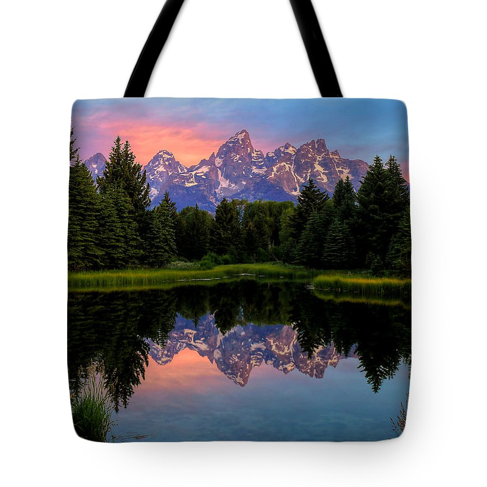 Tetons Tote Bag featuring the photograph Teton Mornig Glow by Ryan Smith