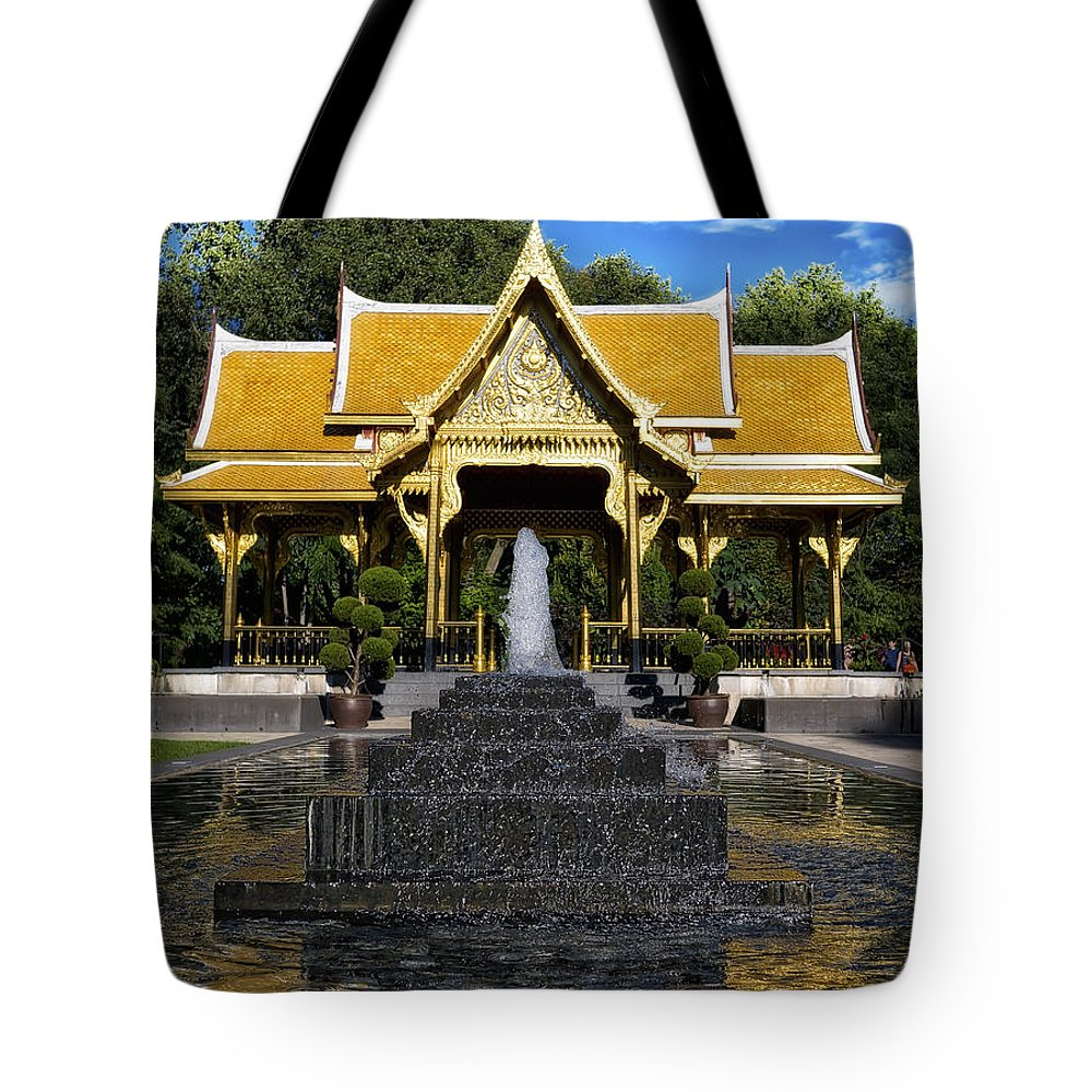 Fall Comes To Garden Of Thai Pavilion >> Thai Pavilion Madison Wisconsin Tote Bag For Sale By Steven Ralser