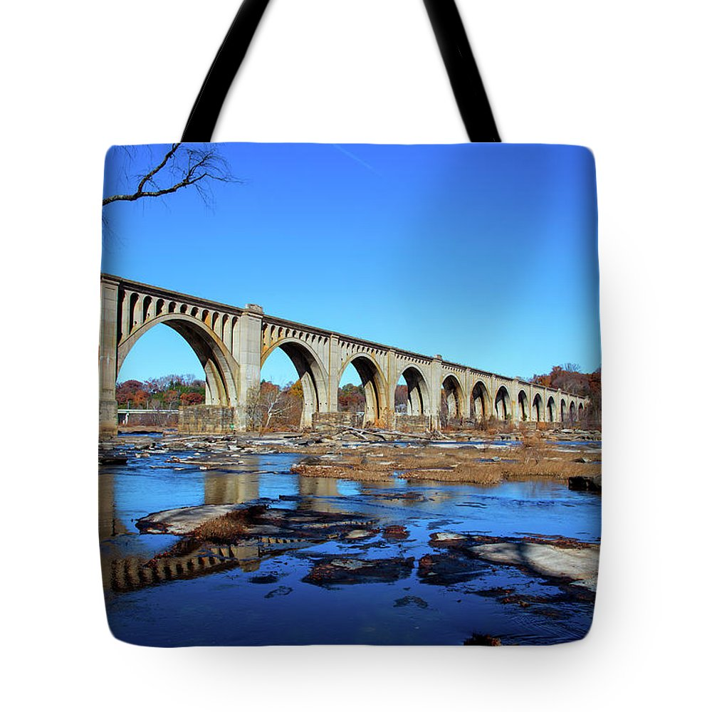 James River Tote Bag featuring the photograph The A-line by Cliff Middlebrook