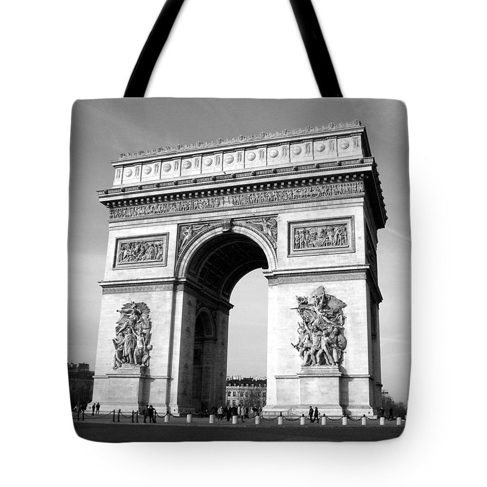 Arc Di Triomph Tote Bag featuring the photograph The Arc Di Triomph by Donna Corless