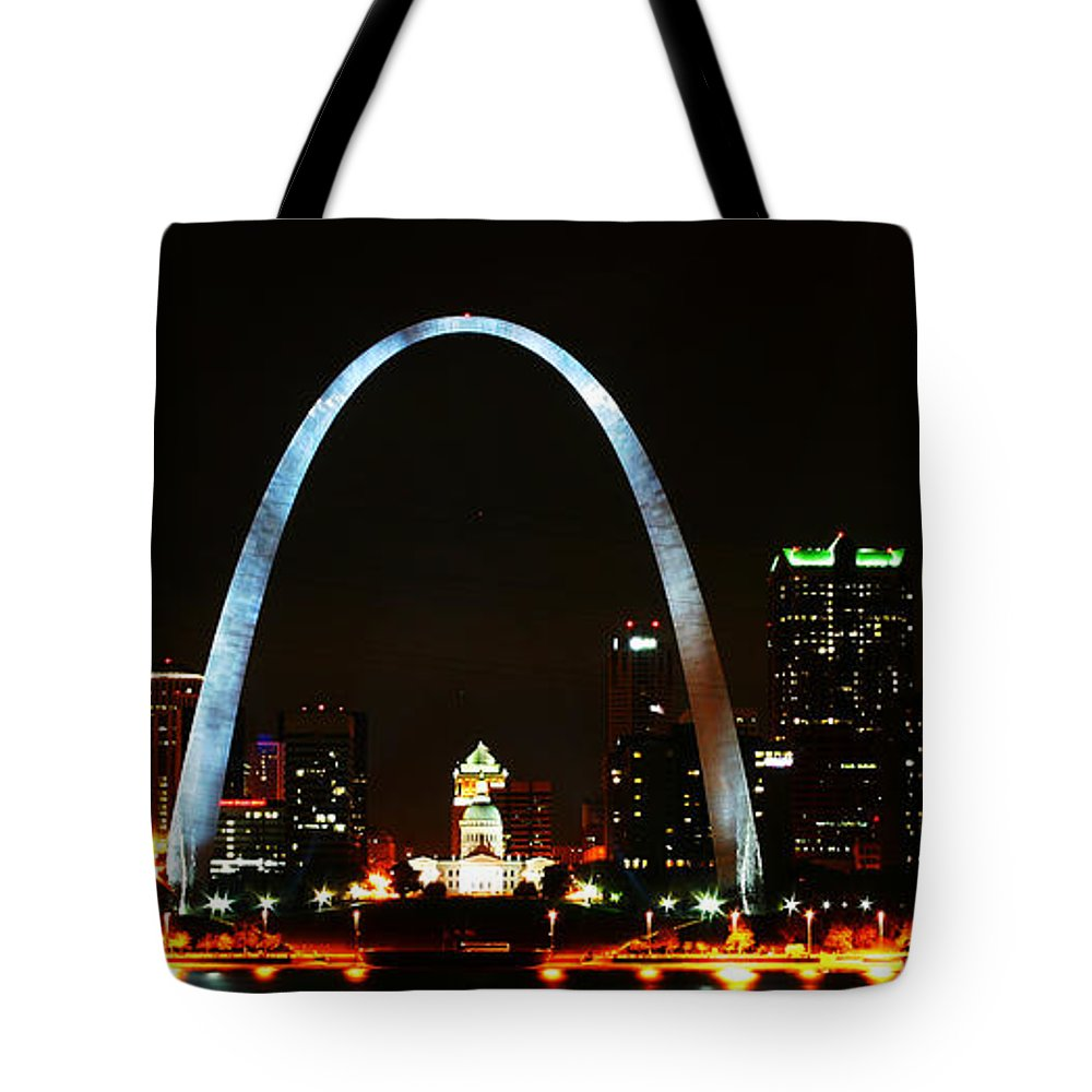 St Louis Tote Bag featuring the photograph The Arch by Anthony Jones