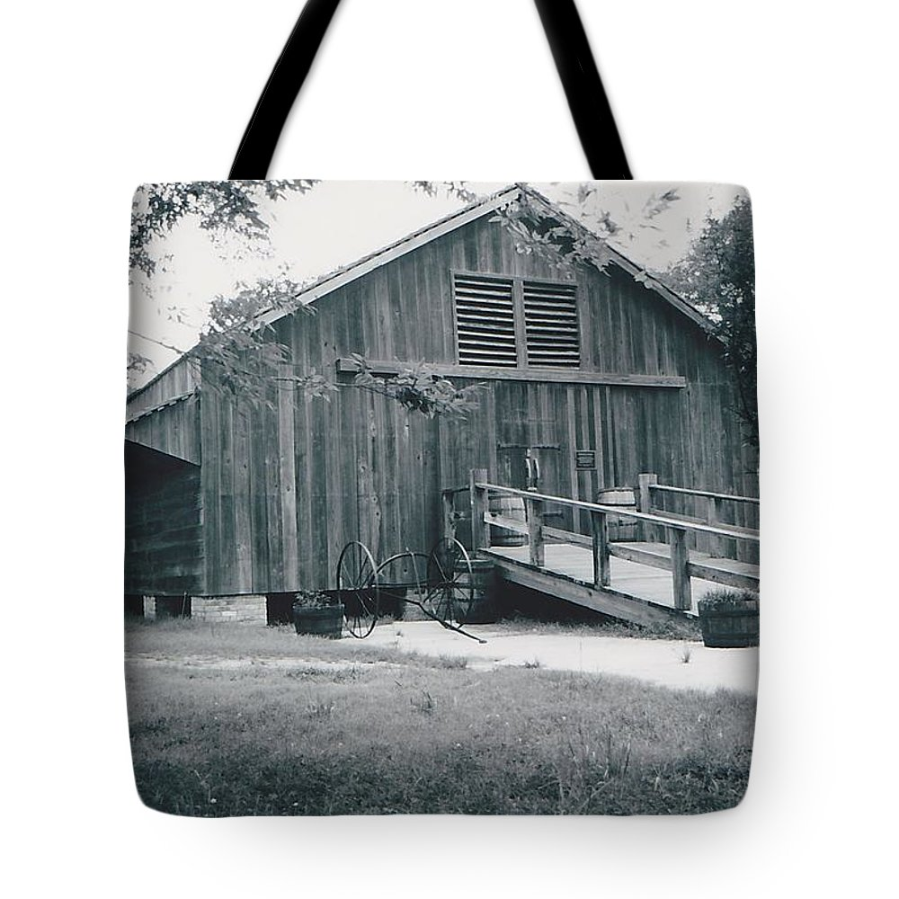 Barn Tote Bag featuring the photograph The Barn by Michelle Powell