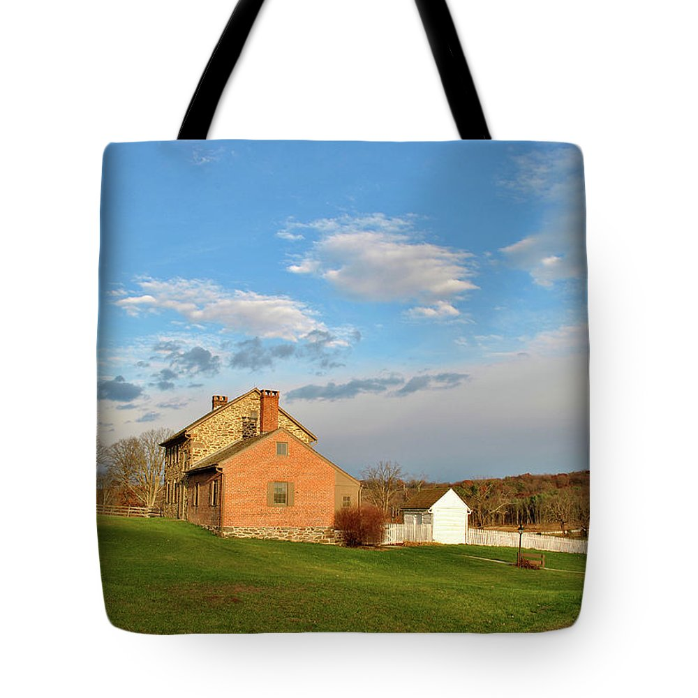 Gettysburg Tote Bag featuring the photograph The Bushman House by Jen Goellnitz