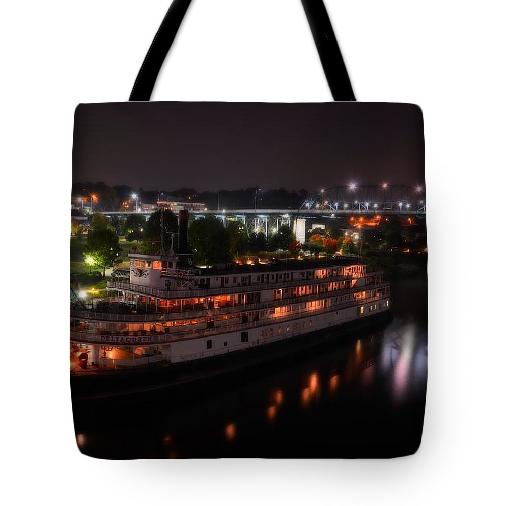 The Delta Queen Chattanooga Tote Bag featuring the photograph The Delta Queen by Roland Millsaps
