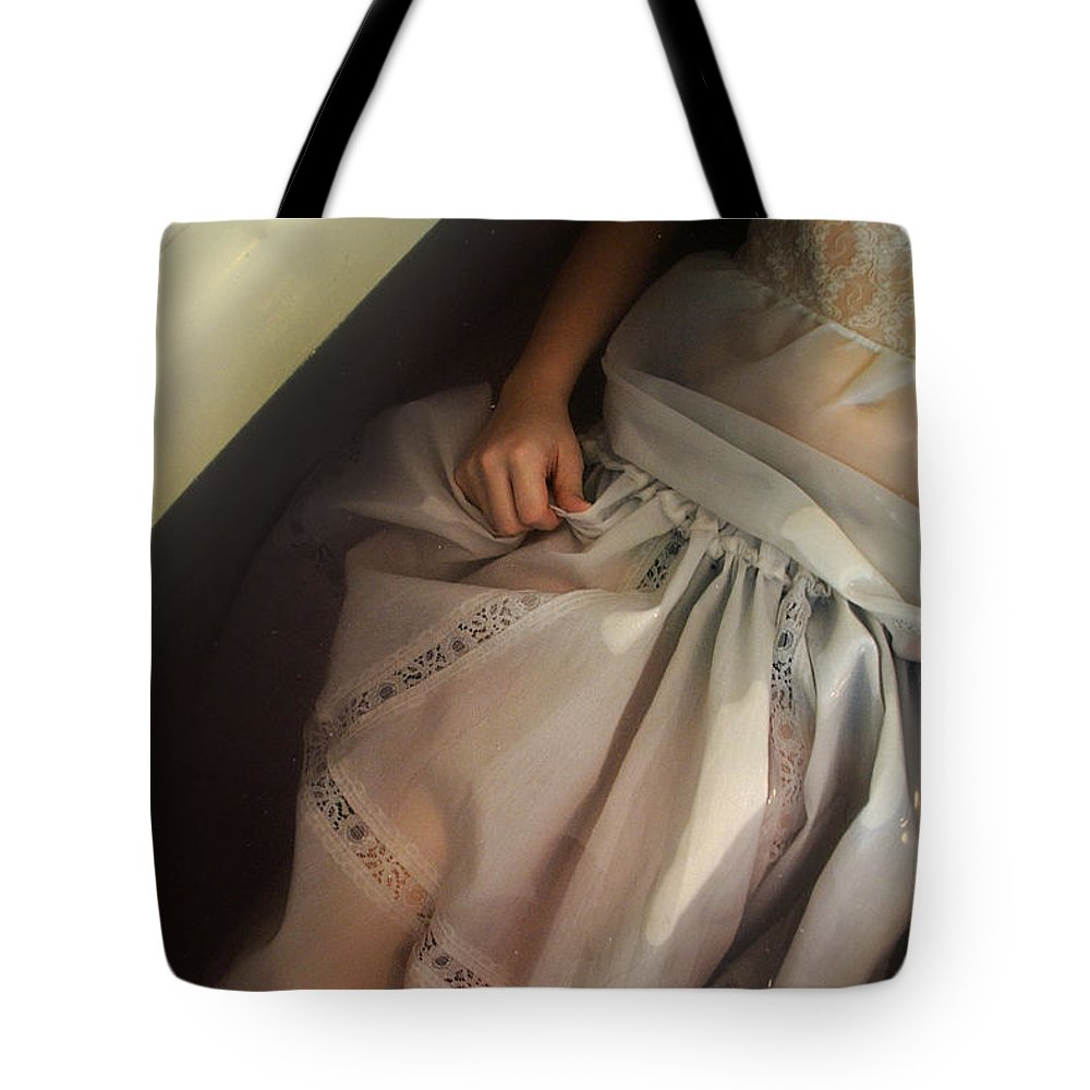 Bath Tote Bag featuring the photograph The Fall by Alice Kelsey