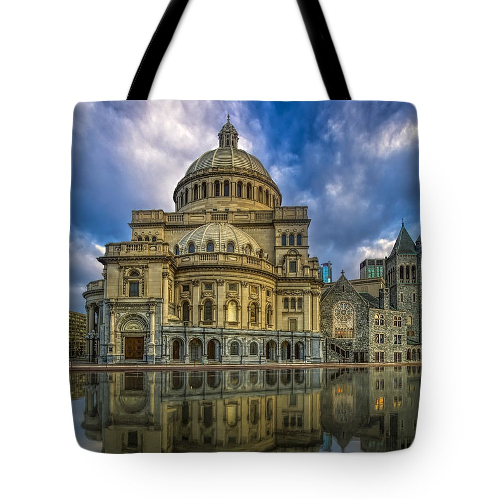 Christian Science Tote Bag featuring the photograph The First Church Of Christ Scientist by Susan Candelario