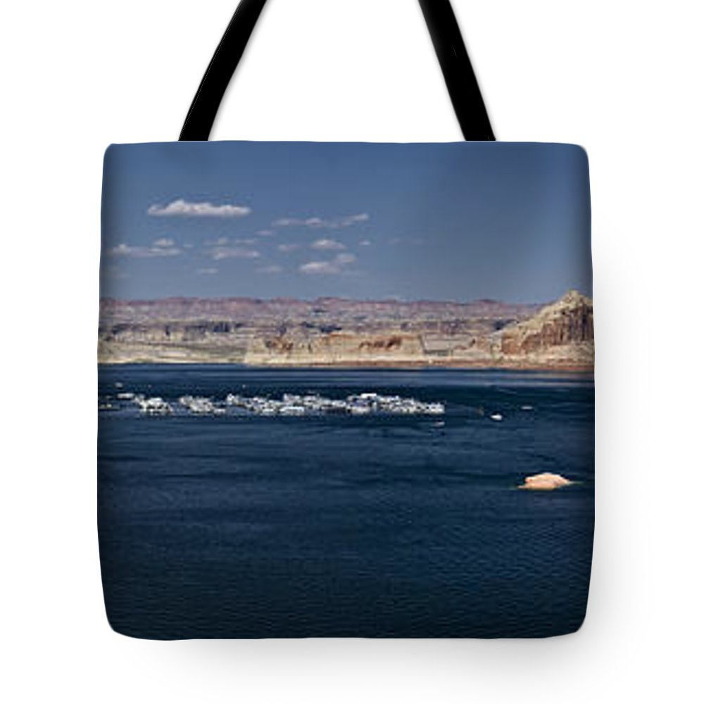 Lake Powell Tote Bag featuring the photograph The Grand View Of Wahweap Bay by Lucinda Walter