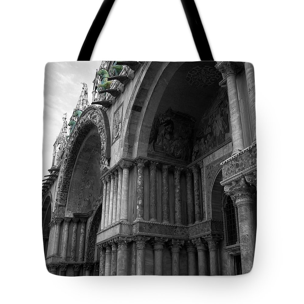 Architecture Tote Bag featuring the photograph The Horses Of St. Mark by Dylan Punke