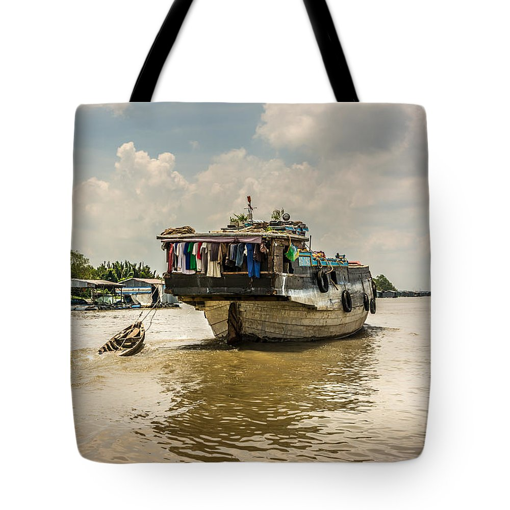 Houseboat Tote Bag featuring the photograph The Houseboat by Andrew Matwijec
