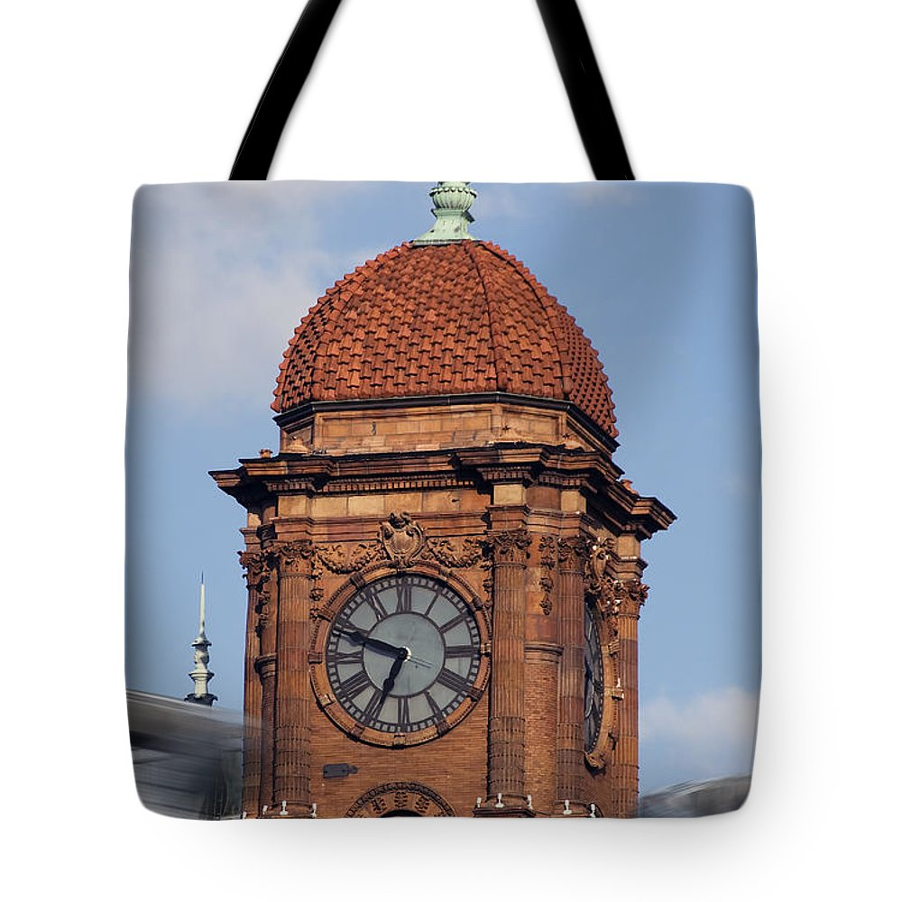 Trains Tote Bag featuring the photograph The Hub by Kelvin Booker