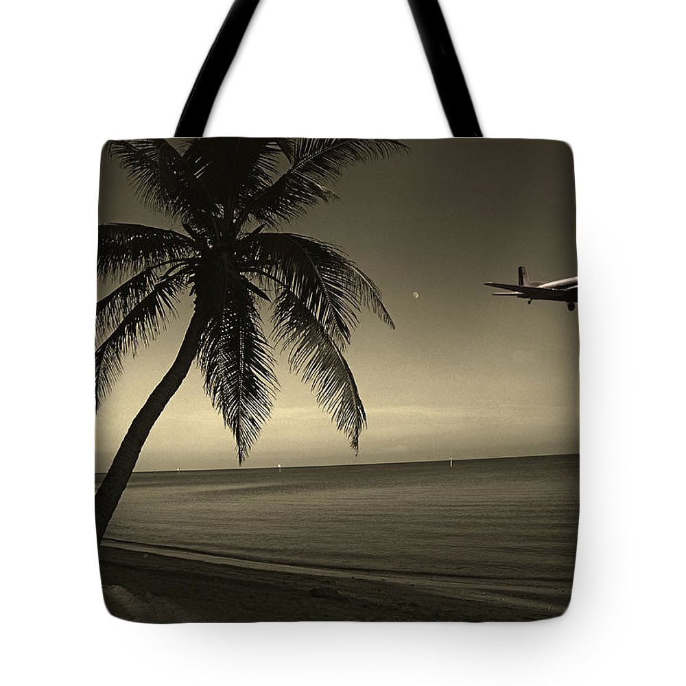 Palm Tote Bag featuring the photograph The Last Flight Out by Susanne Van Hulst