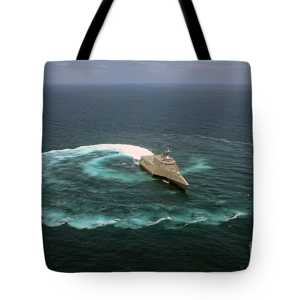 The Littoral Combat Ship Uss Independence (lcs 2)  Tote Bag featuring the painting The Littoral Combat Ship Uss Independence by Celestial Images