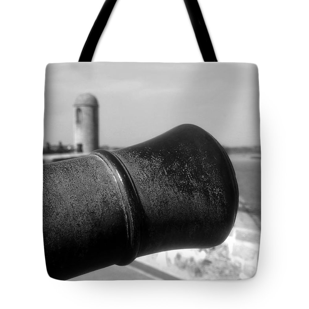 Castillo De San Marcos Tote Bag featuring the photograph The Power Of Empire by David Lee Thompson
