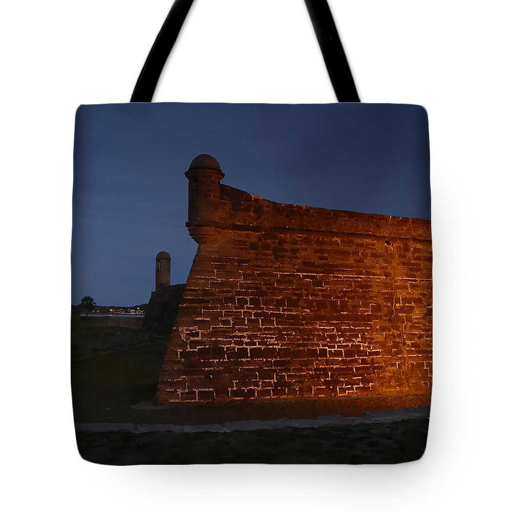Castillo Tote Bag featuring the photograph The Red Castillo by David Lee Thompson