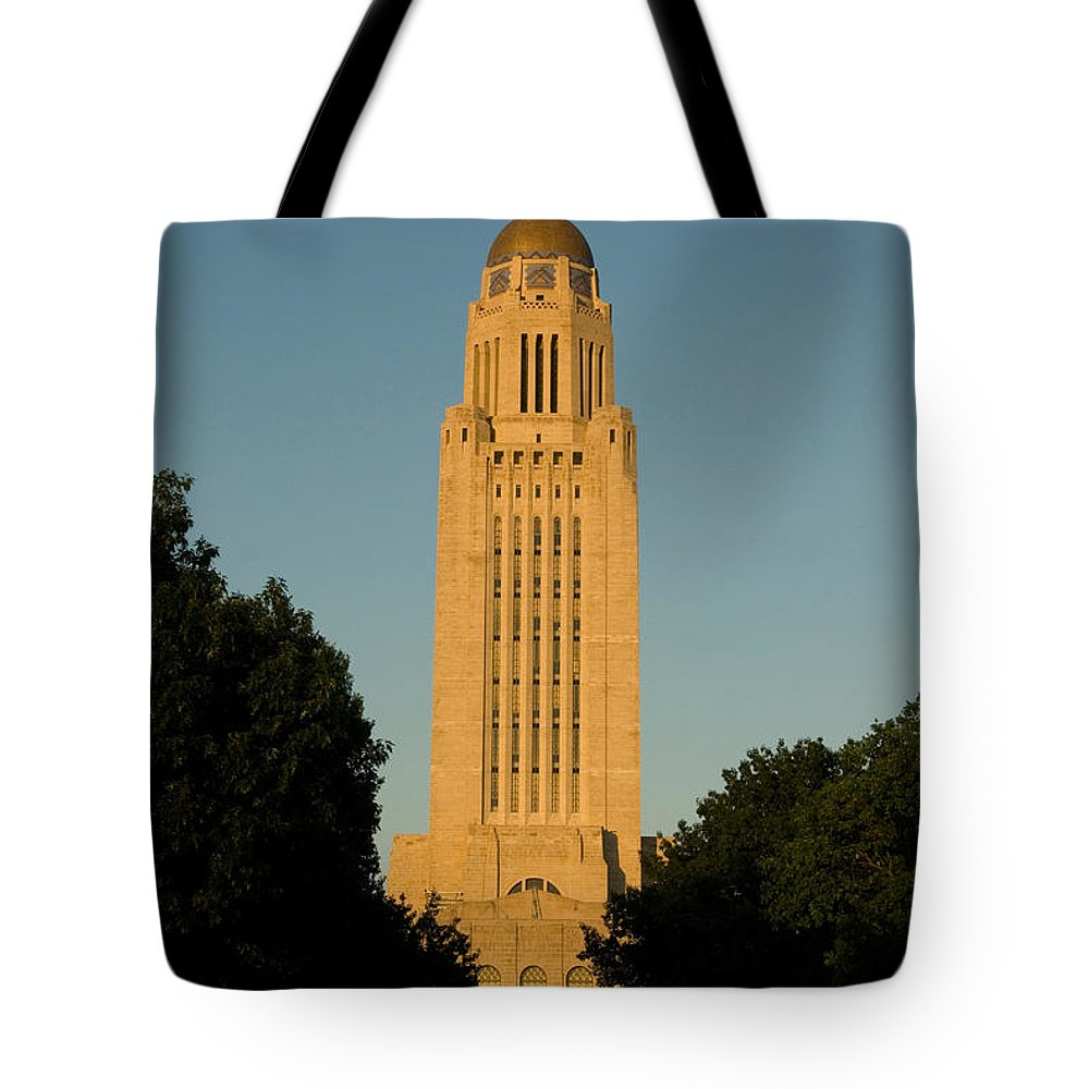 Photograpy Tote Bag featuring the photograph The State Capitol Building In Lincoln by Joel Sartore