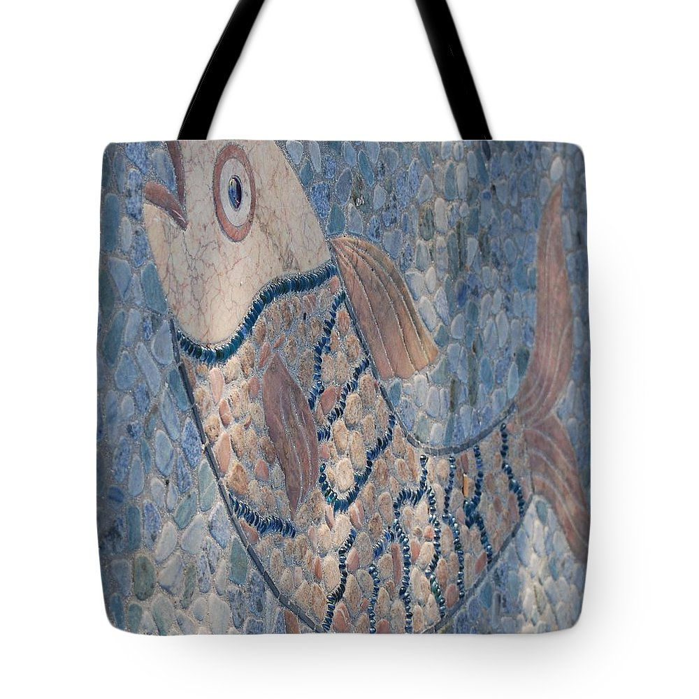 Fish Tote Bag featuring the photograph The Stone Fish by Rob Hans
