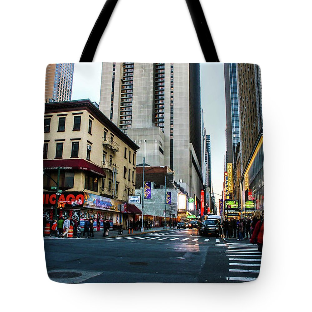 This Is A Photo Of The Streets Of New York City During The Holiday Seasons. Tote Bag featuring the photograph The Streets Of New York by William Rogers