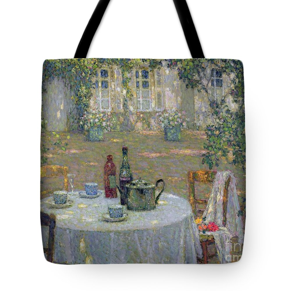 The Table In The Sun In The Garden Tote Bag featuring the painting The Table In The Sun In The Garden by Henri Le Sidaner